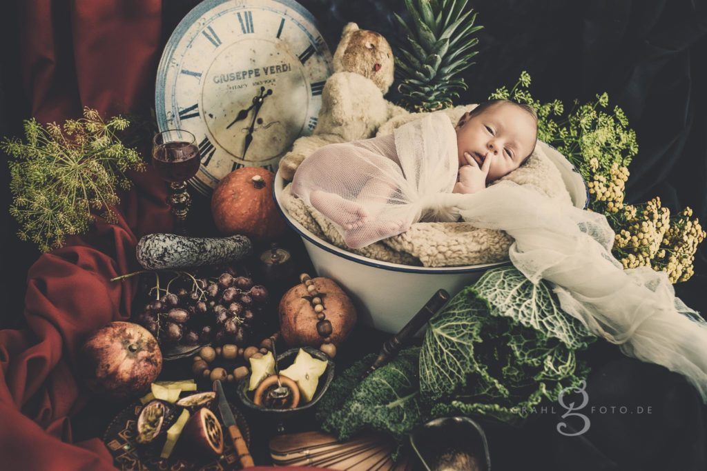 Alte Meister Kunstwerk Foto wie Gemälde Neugeboren Newborn grahlfoto.de by Cordula Maria Grahl