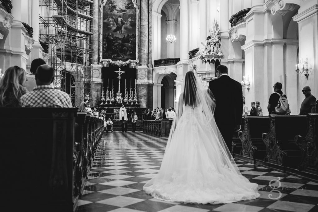20180728 unsere kirchliche Trauung Kamila und Albert 0226 sw web 1
