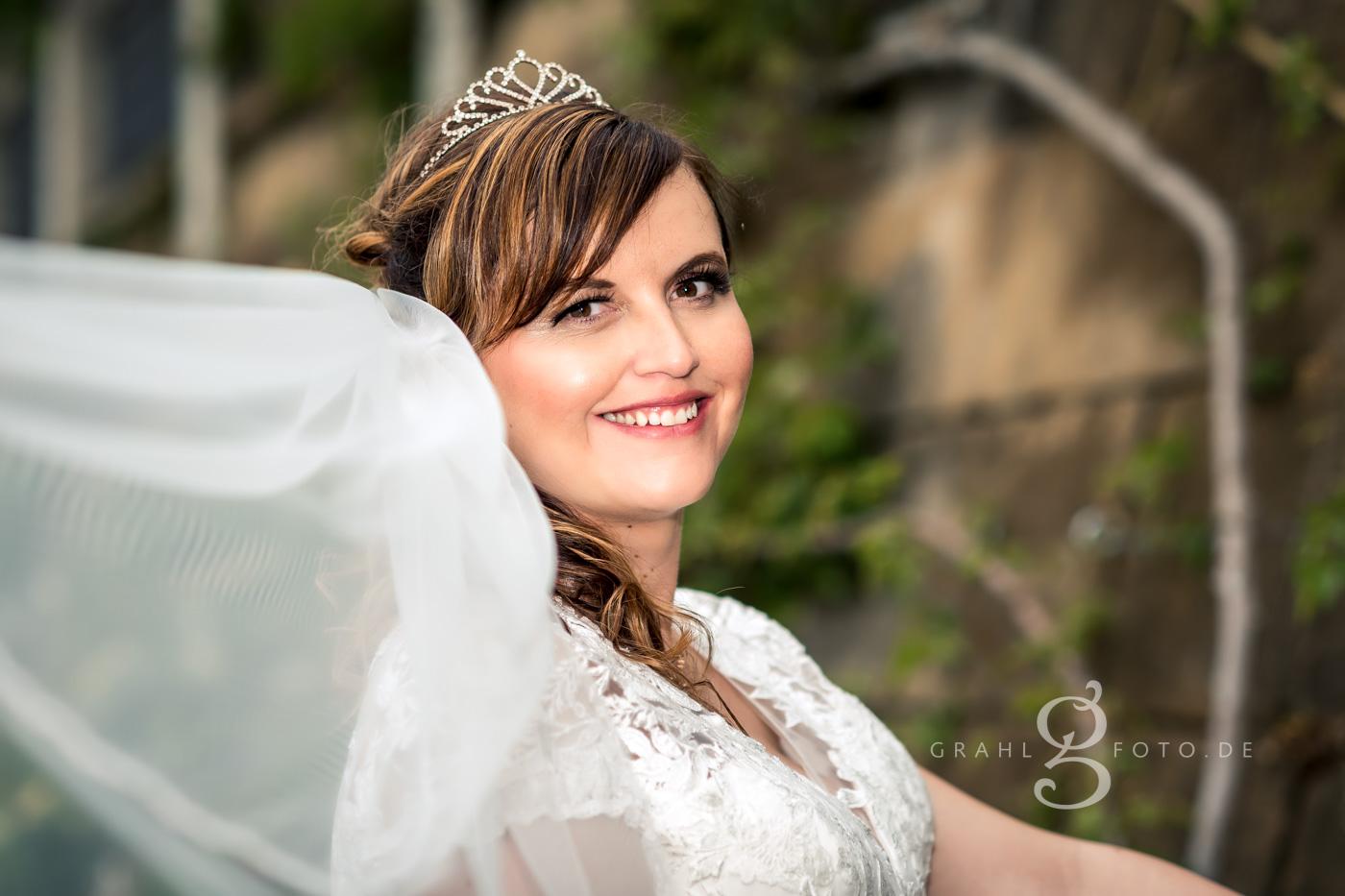 Grahlfoto Hochzeitsfotografie Hochzeitsreportage Freital Schloss Burgk Schlosspark mit Cordula Maria Grahl